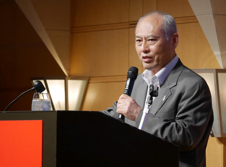 Yoichi Masuzoe, Governor of Tokyo, speaking at the American Chamber of Commerce