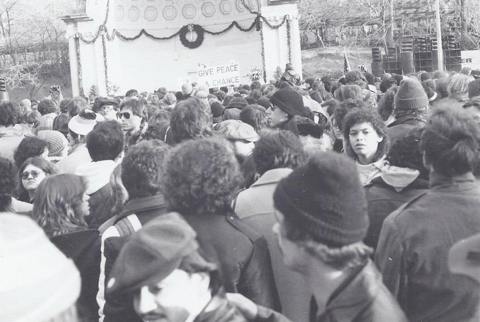 Lennon Memorial Central Park_14Dec80 #1