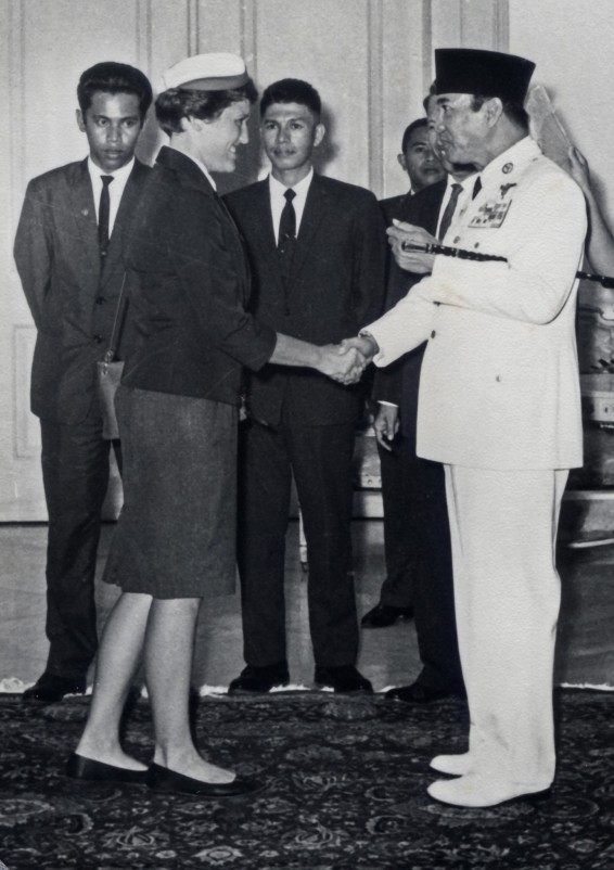 marny_jolly_with_sukarno_1_asian_games_1962_2