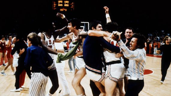celebrating victory US Men's basketballt team 1972