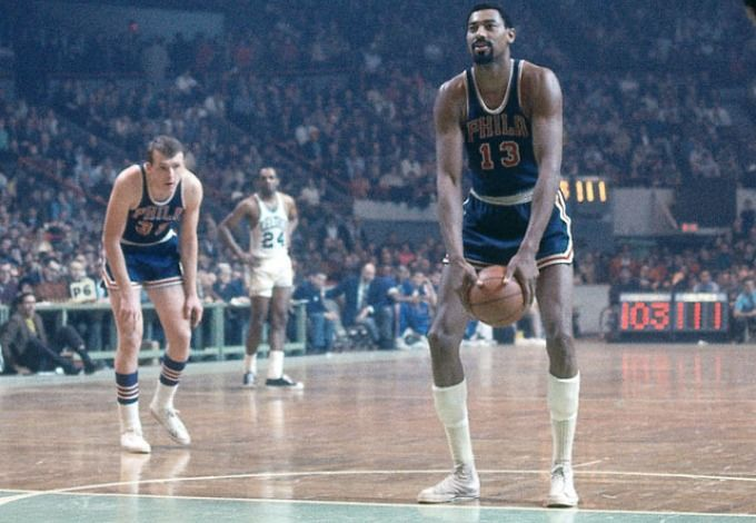 Wilt Chamberlain shooting the granny shot