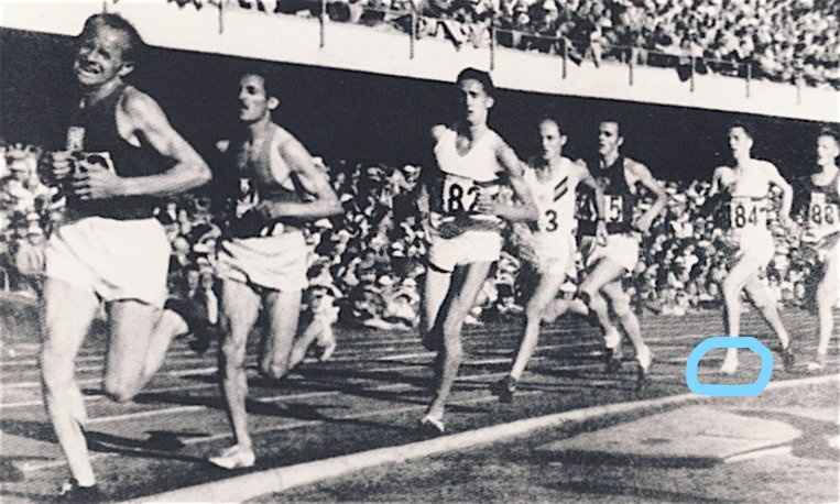emil-zatopek-and-frank-sando-at-helsinki-olympics_circled