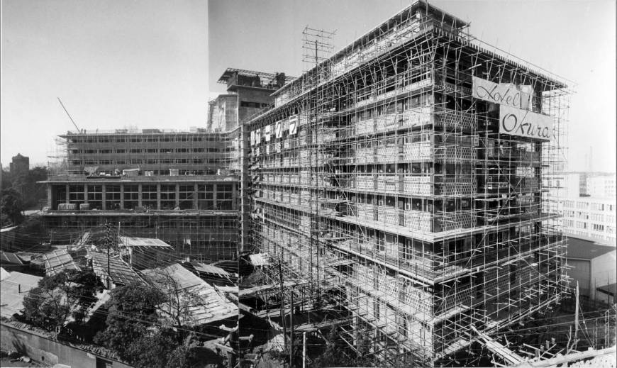 hotel-okura-under-construction-1961