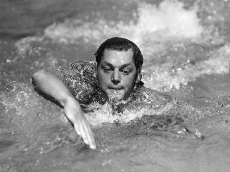 Johnny Weissmuller swimming