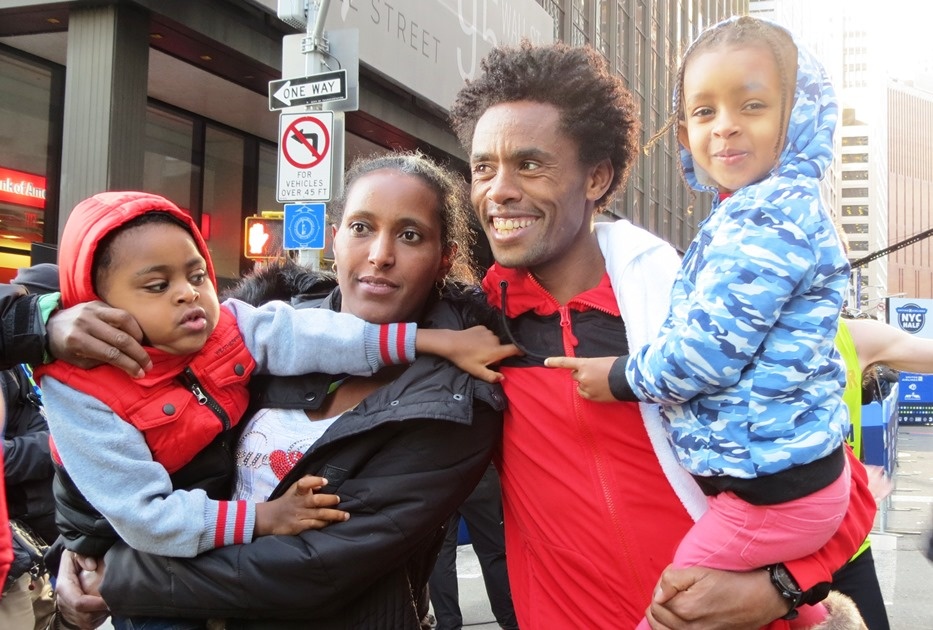 Lelisa Feyisa With_Family_NYCH_2017_Jane_Monti