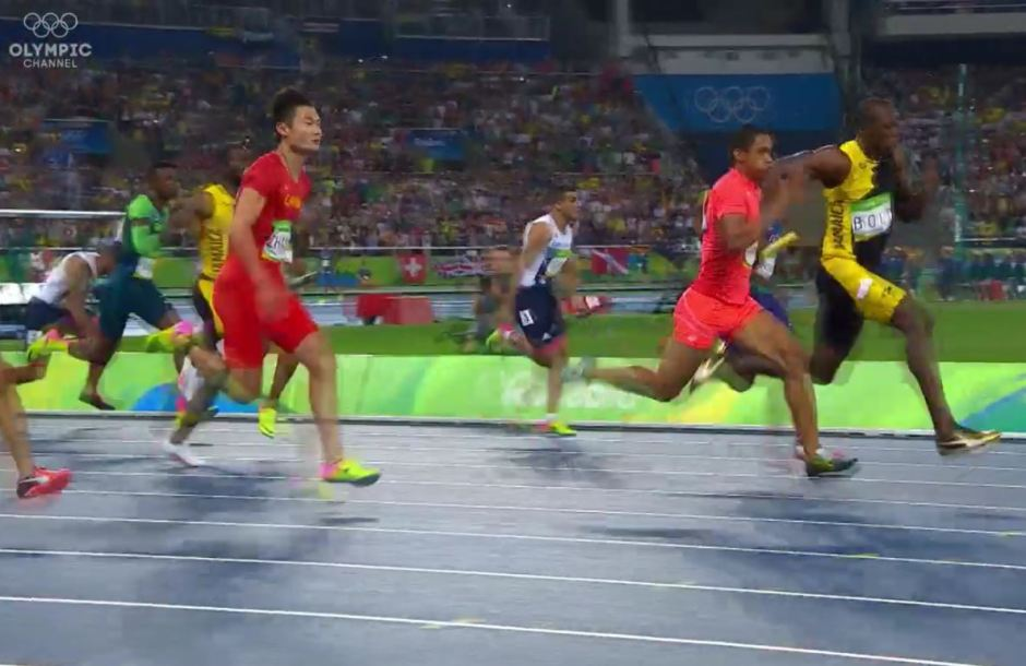 Aska Cambridge Keeping Up with Usain Bolt in 4x100 Relay
