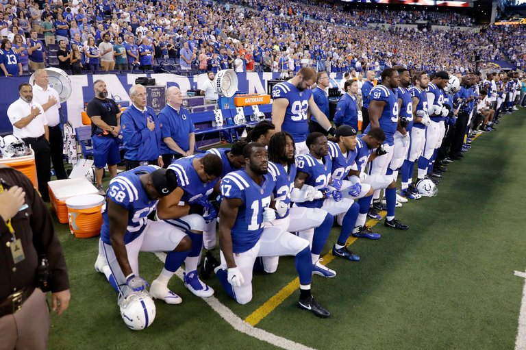 Indianapolis Colts protesting