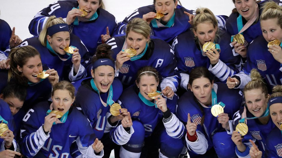 USA womens ice hockey team victorious
