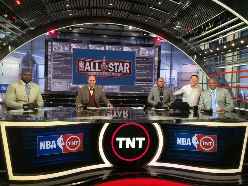 Barkley and Wang on TNT set
